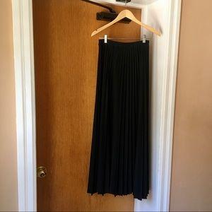 VINTAGE - Rosecrest by Hudson Long Pleated Skirt
